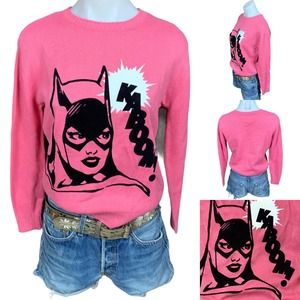 DC Comics Velvet Batgirl Vavoom Hot Pink Graphic Crewneck Sweater Womens Size XS